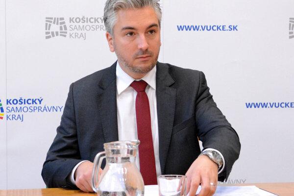 Košický župan Rastislav Trnka bol skontrolovať stredné školy v Spišskej Novej Vsi.