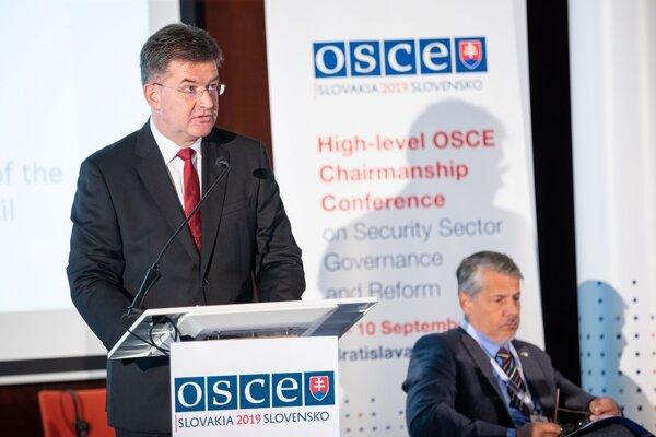 Minister zahraničných vecí Slovenskej republiky Miroslav Lajčák (vľavo)
