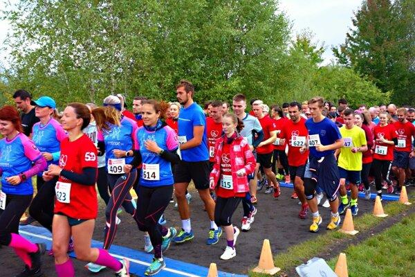 Viac ako 700 bežcov sa zúčastnilo tento rok na Behu medikov.