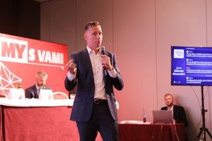 Martin Sedlacký na konferencii o doprave v Žiline.