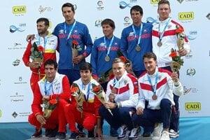 Historické deviate zlato v tímovej súťaži hliadok pre singlistov 3xC1.( Slováci v modrom)