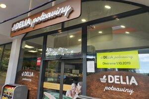 Delia prevádzkuje potraviny na čerpacích staniciach Lukoil.