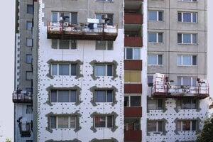 Znížiť výdavky domácností na teplo pomohlo najmä zatepľovanie bytov.