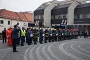 Saková dnes navštívila hasičov v Trnave.