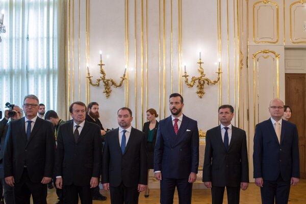 Noví ústavní sudcovia.