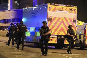 Pri útoku na koncerte Ariany Grande zahynulo 22 ľudí.