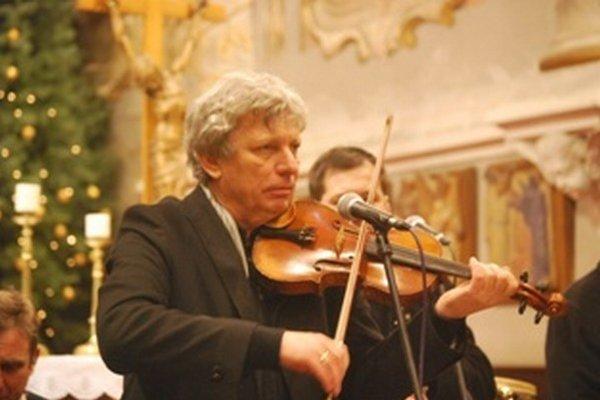 Jiří Pavlica, huslista a spevák, vedie Hradišťan od roku 1978