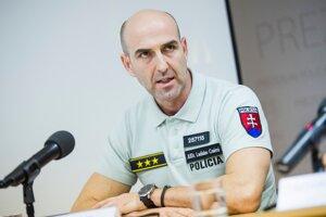 Riaditeľ Úseku hraničnej a cudzineckej polície Prezídia policajného zboru Ladislav Csémi.