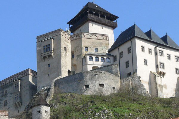 Trenčiansky hrad prešiel rôznymi opravami.