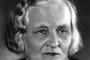 Božena Slančíková-Timrava (1867 – 1951) bola slovenská prozaička a dramatička, ktorá žila v ústraní od kultúrneho diania a takmer celý život trpela finančnou núdzou. Vo svojich dielach podávala  realistický opis ľudí, ich myšlienok a cítenia, a nebála sa kritizovať vtedajšie pomery.