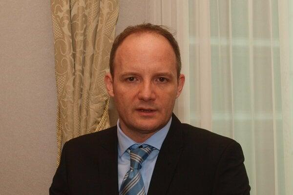Anton Popovič.