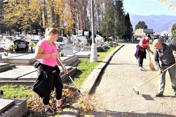 Na vrútockom cintoríne.