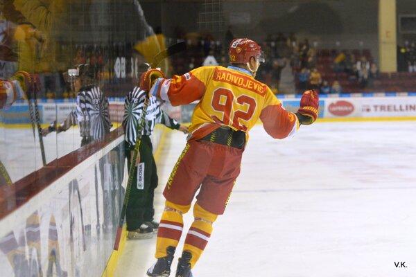 Branko Radivojevič pri návrate na ľad strelil gól.