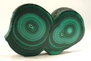 Malachit má zelenú farbu vďaka obsahu medi.