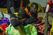 Migranti na lodi Alan Kurdi.