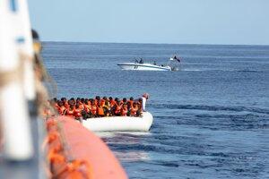 Loď Alan Kurdi v akcii.