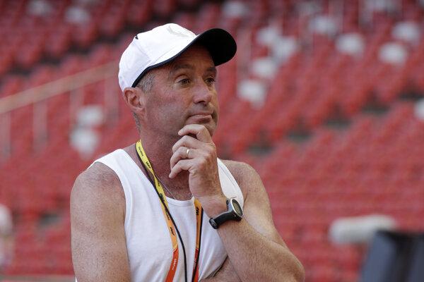 Americký atletický tréner Alberto Salazar.