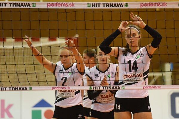 Hráčky klubu VC Bilíkova Pezinok.