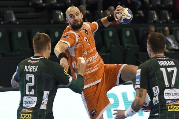 Ani dvanásť gólov Patrika Hruščáka (s loptou) nestačilo Košiciam v Prešove na bodový zisk.