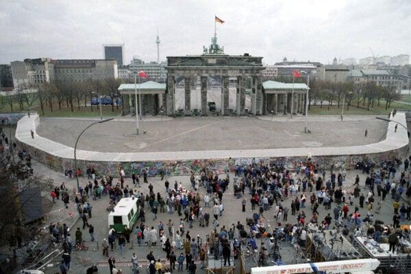 Berlínsky múr rozdeľoval nielen mesto, ale aj svet na dva bloky.
