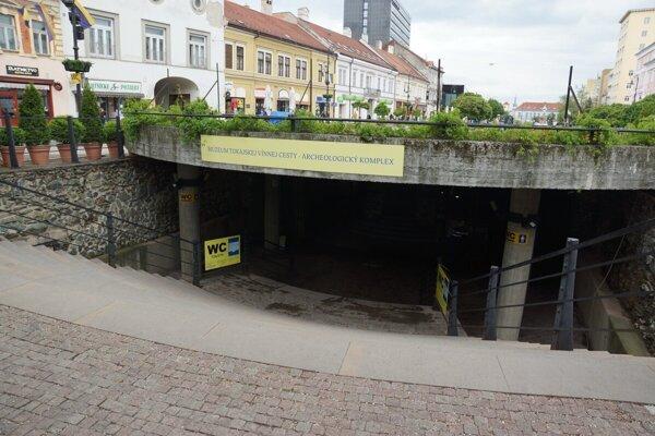 Archeologické múzeum Dolná brána sa možno dočká rekonštrukcie.