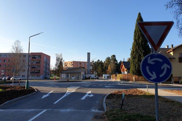Nová okružná križovatka v Liptovskom Hrádku.