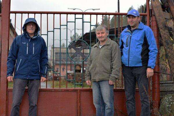 Bývalí zamestnanci bane.(Ján Ďurša, Peter Vansač, Jozef Turčanik)