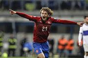 Reprezentant Česka Alex Král oslavuje gól v kvalifikačnom zápase na EURO 2020 proti Kosovu.