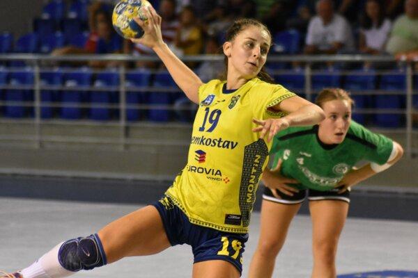 Michalovská spojka Adriana Holejová v aktuálnom ročníku interligy skórovala v každom zápase.