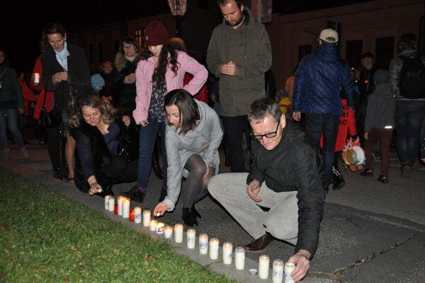 Lampiónový a sviečkový pochod v Dolnom Kubíne.