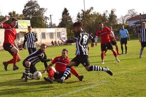 Veľké Ludince doma stratili dva body po remíze sVrábľami, keďže vzápase boli určite lepším tímom.