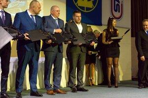 Ocenení jazdci za úspešnú reprezentáciu SR v pretekoch automobilov do vrchu.