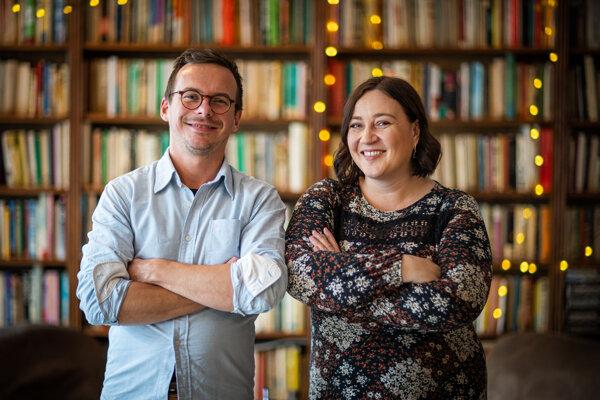 Speváčka Katarína Koščová a klavirista Daniel Špiner prichádzajú po piatich rokoch s novým autorským albumom Hranica dažďa.