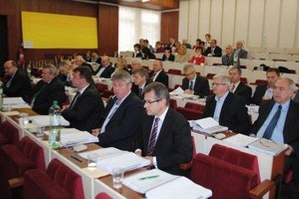 Michalovskí poslanci schválili čerpanie úveru.