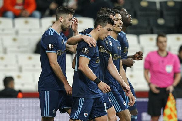 Hráči Slovana v zápase K-skupiny Európskej ligy 2019/2020 Besiktas Istanbul - ŠK Slovan Bratislava.