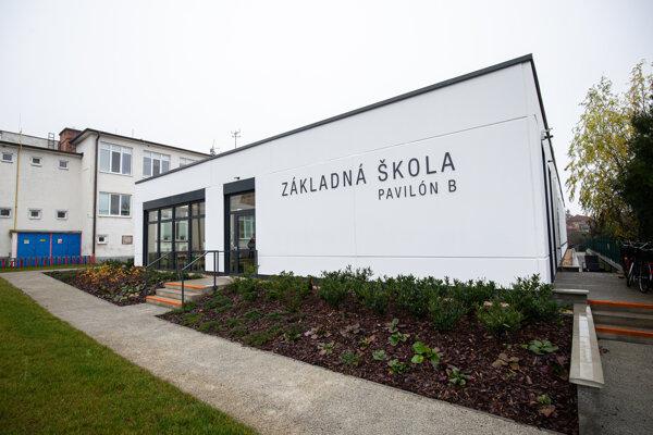 Novú školu bude obec splácať desať rokov.