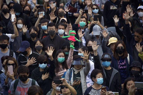 Protesty v Hongkongu.