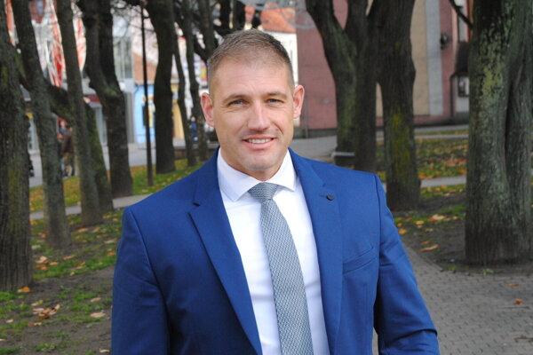 Peter Dujava.