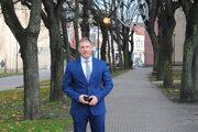Opozičný poslanec Peter Dujava.