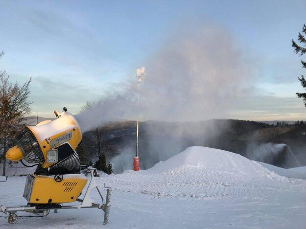 Mínusové teploty prajú snežným majstrom.