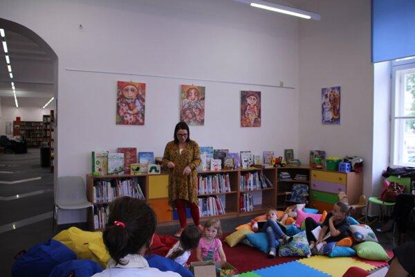 Nové knihy pribudnú aj vo Verejnej knižnici Jána Bocatia.