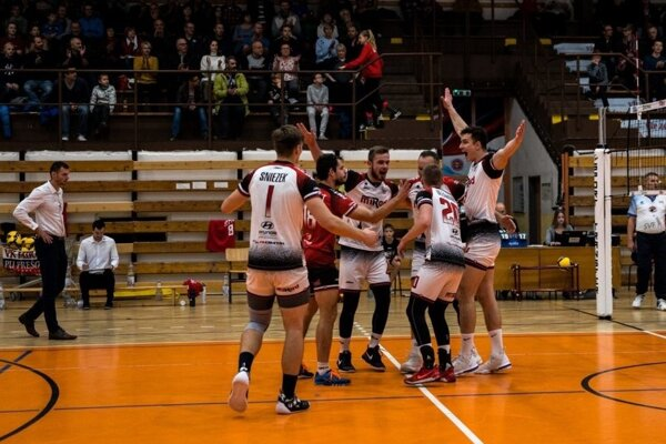 Atraktívne východniarske derby láka hráčov i divákov.