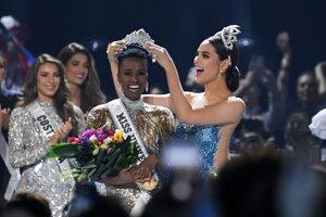 Zozibini Tunziová, nová Miss Universe.