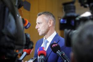 Podpredseda vlády SR pre investície a informatizáciu Richard Raši počas príchodu na rokovanie 189. schôdze vlády SR. Bratislava, 11. december 2019.
