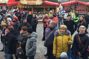 Prešovčania čakajúci na prezidentku.