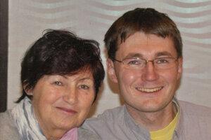 So svojím jediným synom Martinom, ktorý si vybral dráhu rímsko-katolíckeho kňaza. V súčasnosti pôsobí v obci Teplička v okrese Stará Ľubovňa.