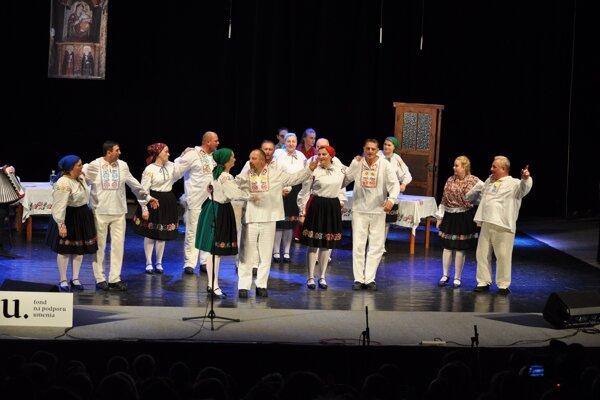 Folklórna skupina Ľude spud Beskyda z Novej Sedlice oslávila piate výročie koncertom.