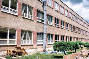 K školám, ktoré sa budú modernizovať, patrí aj SOŠ strojnícka v Kysuckom Novom Meste.