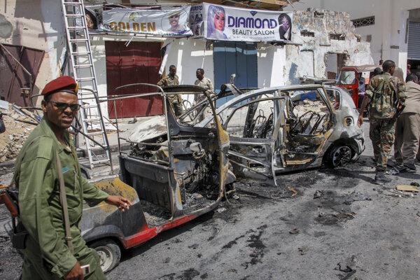 Pred parlamentom v Somálsku vybuchla bomba.
