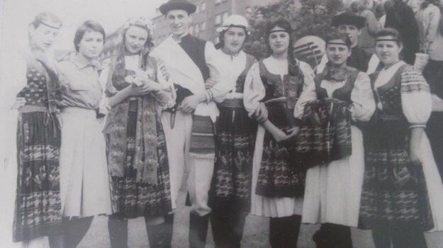 Anna ako členka folklórneho súboru